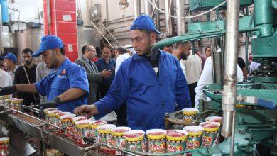 "Photo of ""الزراعة"" و""الاقتصاد"" تفتتحان باكورة إنتاج عصير الطماطم 2019 في غزة"