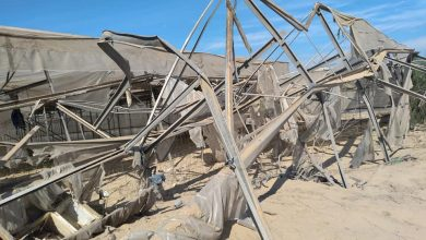 Photo of اثار القصف الليلة قبل الماضية على دفيئات المزارعين في المحررات