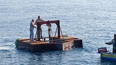 Photo of صور.. جانب من أعمال مشروع تثبيت الأقفاص البحرية
